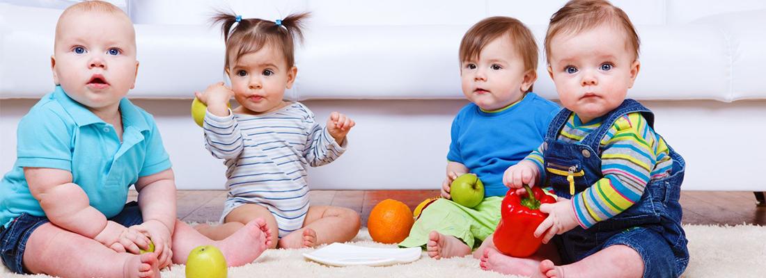 babies-playing